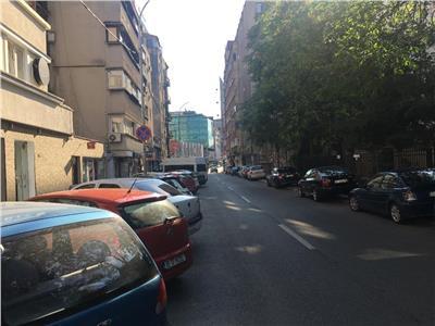 Vanzare spatiu comercial zona Romana-Eminescu.